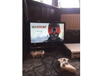 Xbox 360 with 29games and two control