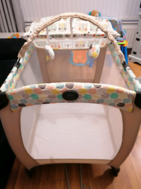Graco travel cot system