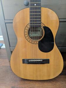 3/4 Hohner HW-03 Guitar with Backpack case