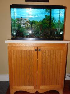 """Aquarium avec meuble 36""""X 16½ """" 3 tablettes intérieures"""