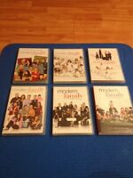 MODERN FAMILY SEASONS 1-6 IN DVD! PERFECT CONDITION