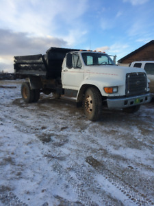 2009 Ford 5 Ton Gravel Truck