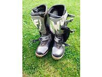 Moto x boots
