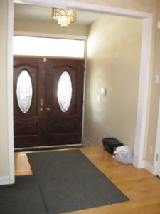 Highly-sought for Saskatchewan Drive Location - Furnished or Unf