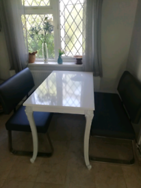 Small white rose gloss dining table.