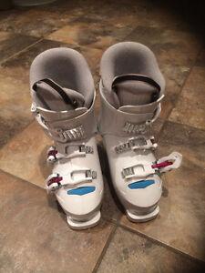 Botte de ski pour fille Lac-Saint-Jean Saguenay-Lac-Saint-Jean image 1