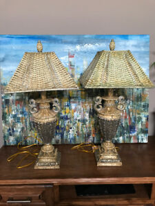 2 Formal table lamps