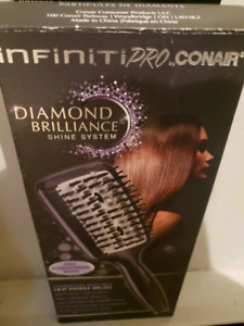 BRAND NEW CONAIR INFINITY PRO IONIC STRAIGHTENING BRUSH