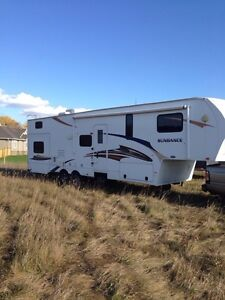 2011 Fifth Wheel Sundance 3300RLB