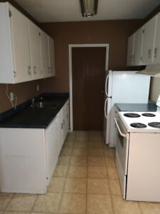 2 bedroom with Insuit laundry!!