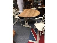 Gorgeous solid oak table & 2 carver chairs