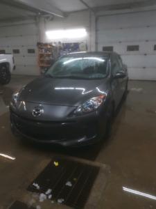 2012 Mazda 3 small car 4 door