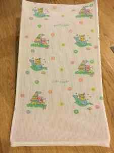 Baby bath sling - PlayScool brand (A must have) - giftable cond. Kingston Kingston Area image 2