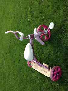 Tricycle robuste pour enfants