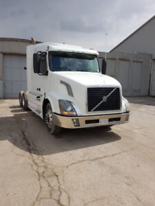 2013 Volvo VVN Tractor for Sale - Reduced Price