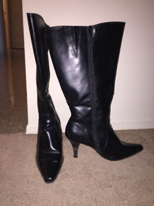 8.5 W Extended Calf Boot