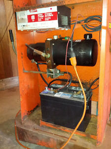 Hydraulic Electric lift truck with built-in charger Windsor Region Ontario image 3