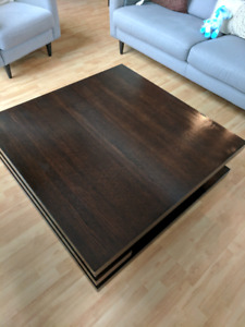 Beautiful wooden coffee Table for sale