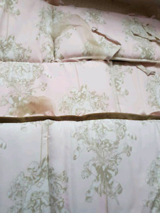 EUC cottontale lollipops and roses nursery bedding set