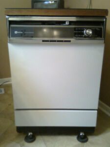 Maytag Portable Dishwasher - for parts or potential repair/use