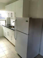 1-BDRM RENOVATED BROADVIEW AVE. N. OF COSBURN $1095 MAR 1