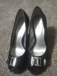 Black Guess Shoes/Heels, excellent condition $20