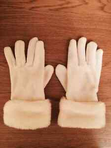 Combo Fancy White Faux Fur Hat & Gloves - Super soft and warm!! West Island Greater Montréal image 2