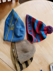 Lot of 4 toques