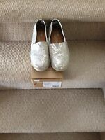 GUC silver toms, youth size 3