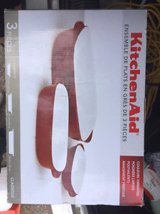 Baking dishes, bowls, cutlery, spice rack all brand new