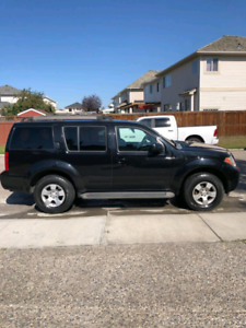 2008 Nissan Pathfinder SE Leather
