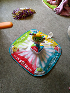 Danceing learning toy