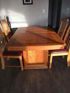Table with 6 chairs and matching China cabinet