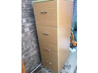 Four drawer filing cabiet