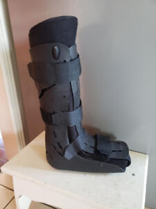 Walking Cast Boot EXCELLENT CONDITION