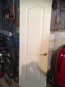 door with handle and hinges 26 inch