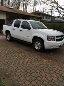 2010 Chevrolet Avalanche LS Pickup Truck SAFETY CERTIFIED