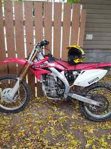 05 crf 450r for sale or trade.