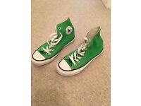 Green Converse size 4