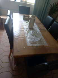 Oak Dining Table and 6 Leather Chairs