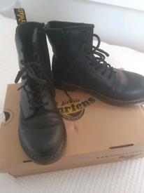 children black paton doc Martens boot size 4