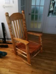 Chaise berçante bois rond