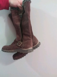 Brown Leather Sketcher boots