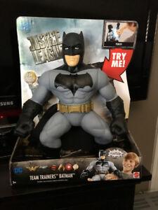 batman 14 inch team trainer figure $20.00 new