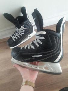 Patins de hockey Bauer + bâton