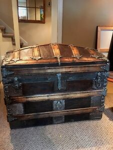 Beautiful Romadka leather coffre malle antique trunk
