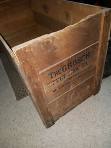 Grotsch Felt Shoe Co. Wooden Box Milverton