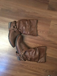 Used Brown Boots - Size 8.5