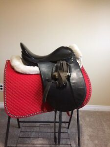 Coventry 16'' dressage saddle