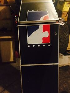 Pro beer pong table
